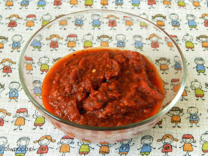 Sos pomidorowy z przecieru pomidorowego